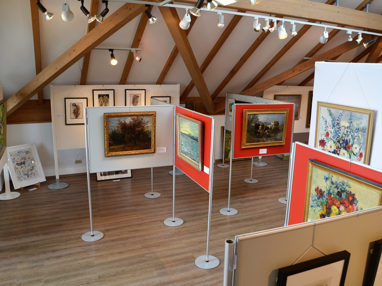 """Haus des Gastes"": exhibition space under the roof (Foto: © Tourist-Info)"