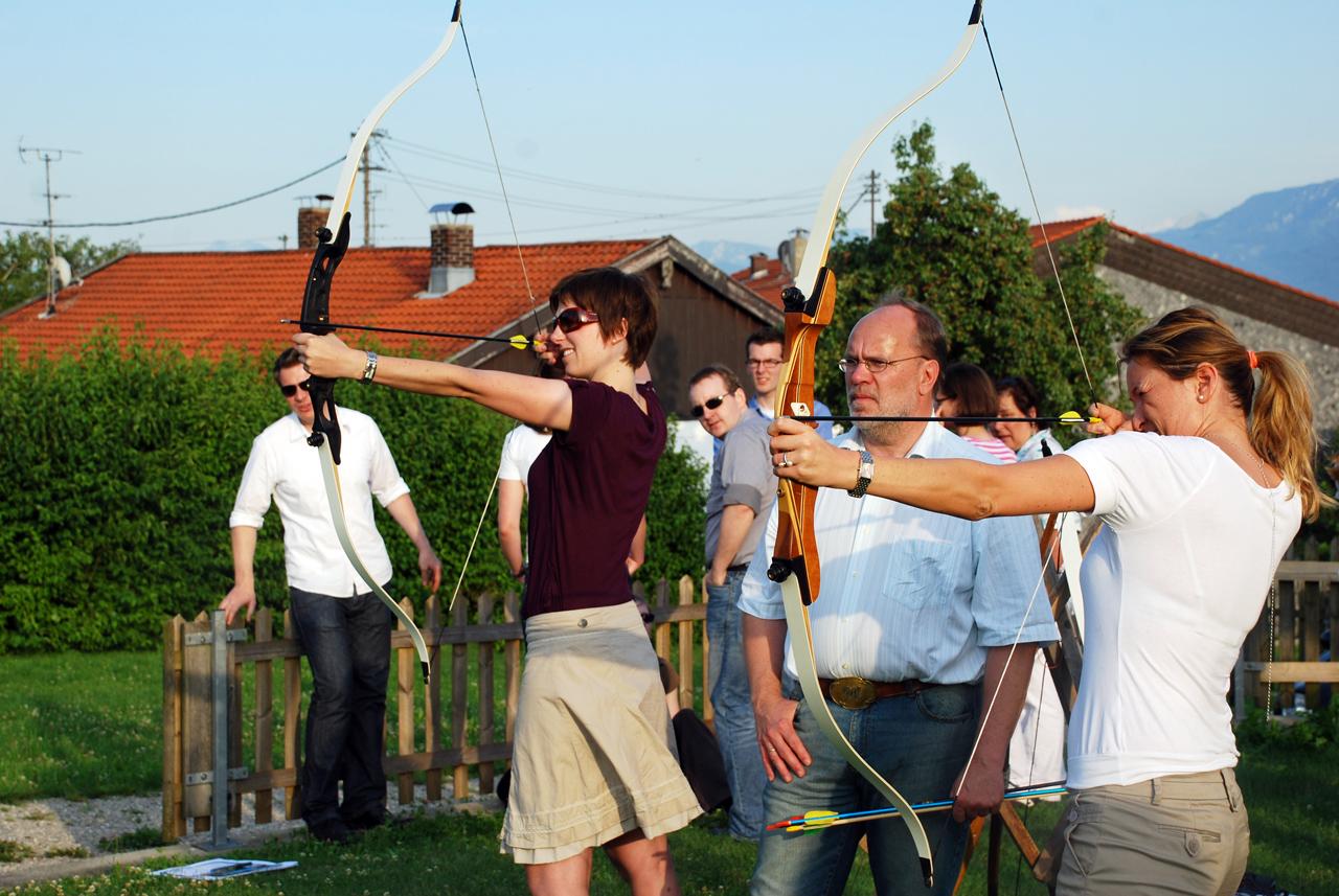 Gruppenangebote - auch Bogenschießen ist angesagt (Foto: © Tourist-Info)